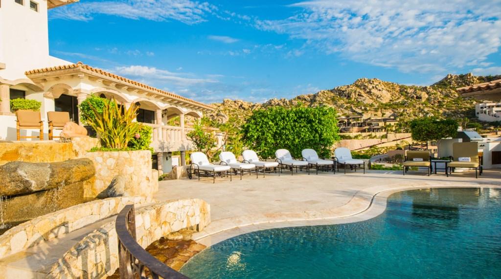 Villa-La-Roca-Pond-View5.jpg