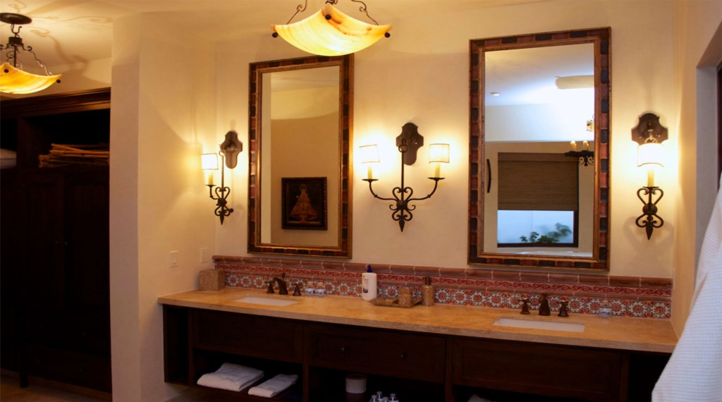Casa-Cielo-Pedregal-Bathroom.jpg