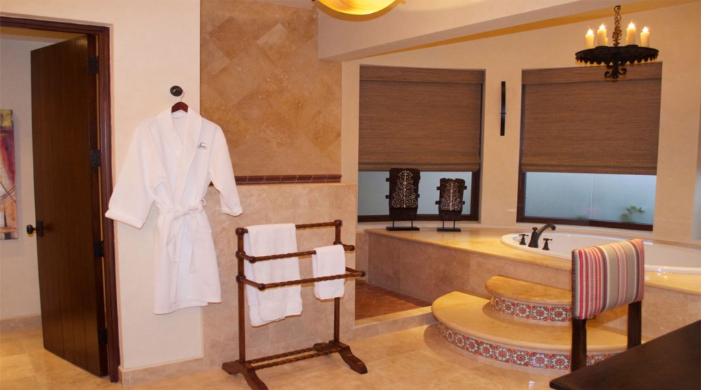 Casa-Cielo-Pedregal-Bathroom2.jpg
