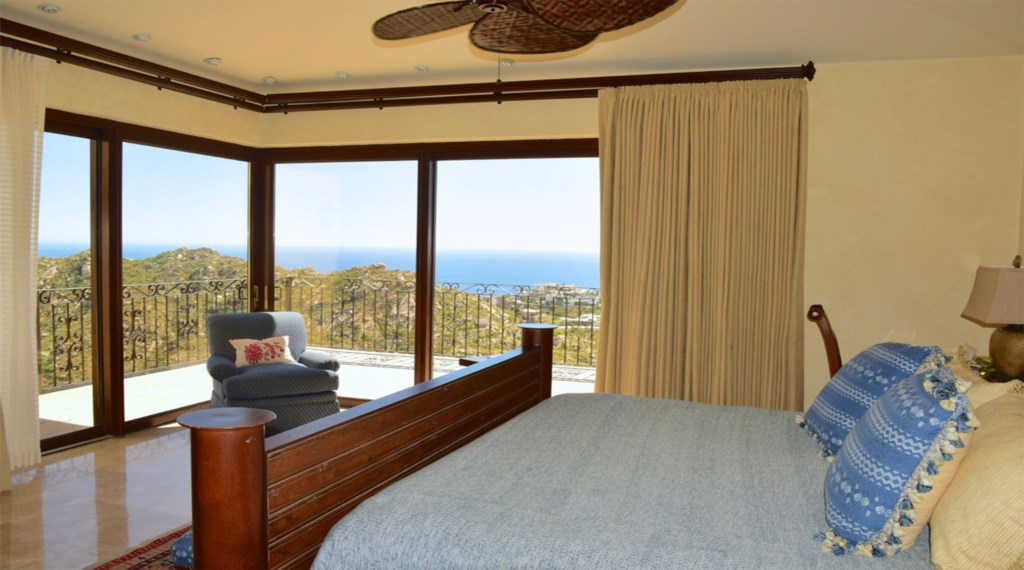 Casa-Cielo-Pedregal-Bedroom8.jpg