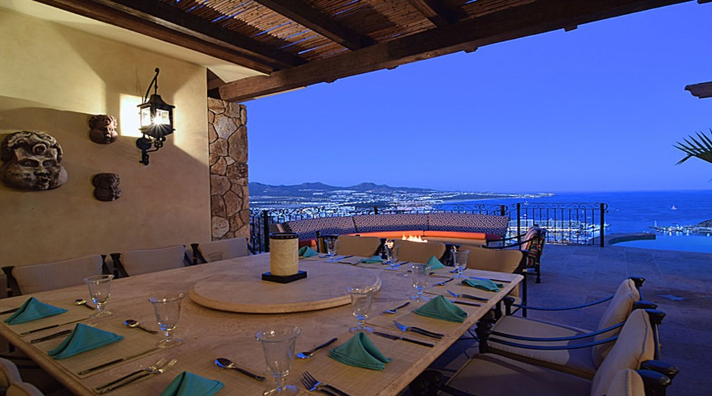 Casa-Cielo-Pedregal-OutdoorDining.jpg