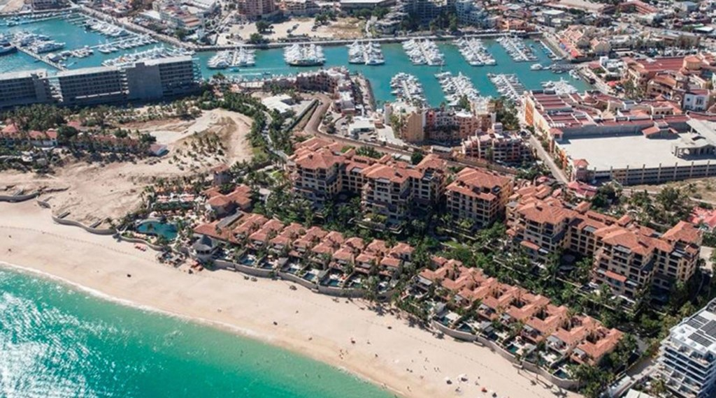 Hacienda-Beach-Club-Building4-Beachfront.jpg