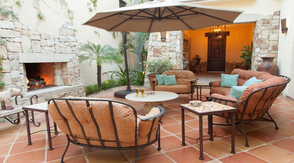 Hacienda-Villa-7-Courtyard.jpg