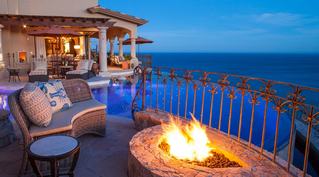 Seaside-Casita-FirePit-Night.jpg