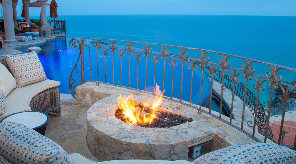 Seaside-Casita-FirePit2.jpg