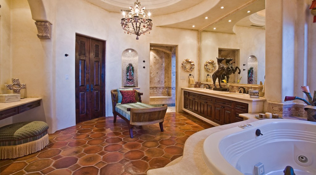 Seaside-Casita-Master-Bath.jpg