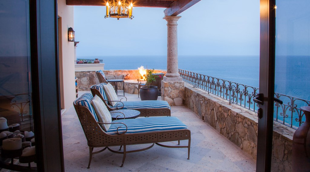 Seaside-Casita-Outdoor-Patio.jpg
