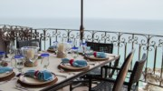 Seaside-Casita-Outdoor-Dining.jpg