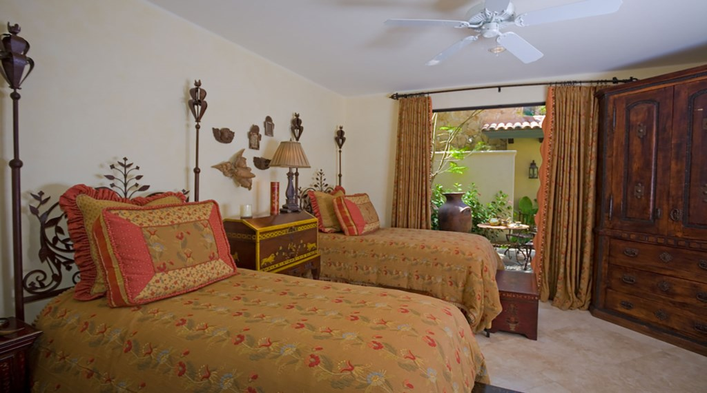 La-Terraza-Bedroom4.jpg