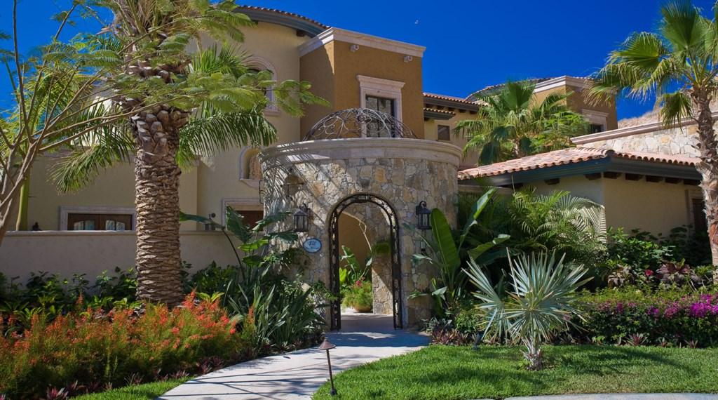 La-Terraza-Entry.jpg