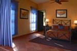 VILLA-ESTERO-Bedroom2