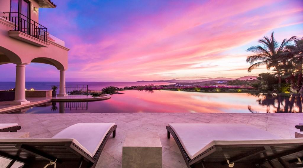 Paradiso-Perduto-View-Pool-Sunset.jpg