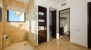 Paradiso-Perduto-Bathroom.jpg