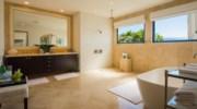 Paradiso-Perduto-Bathroom4.jpg