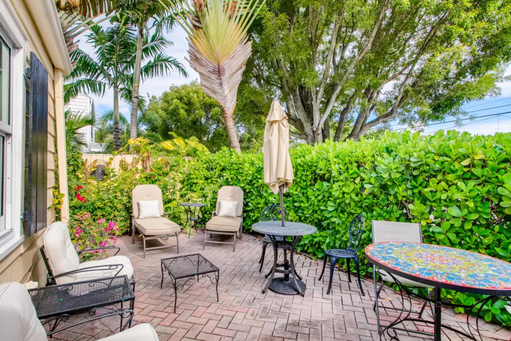 2215 Georgia Ave West Palm-large-010-010-Patio-1500x1000-72dpi.jpg