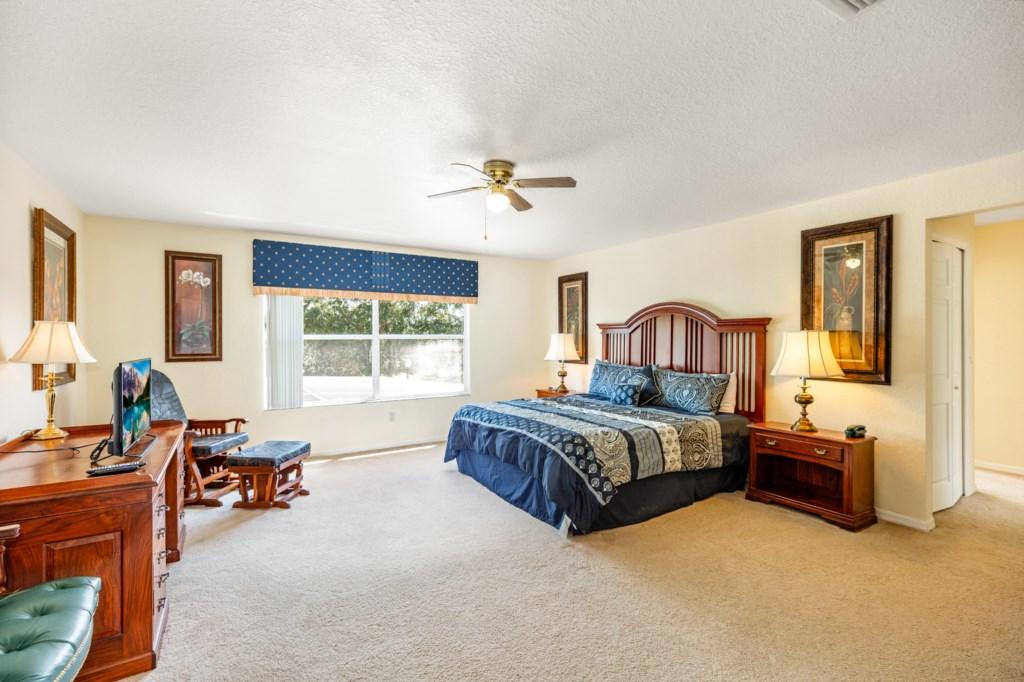 324 Master Bed.jpg