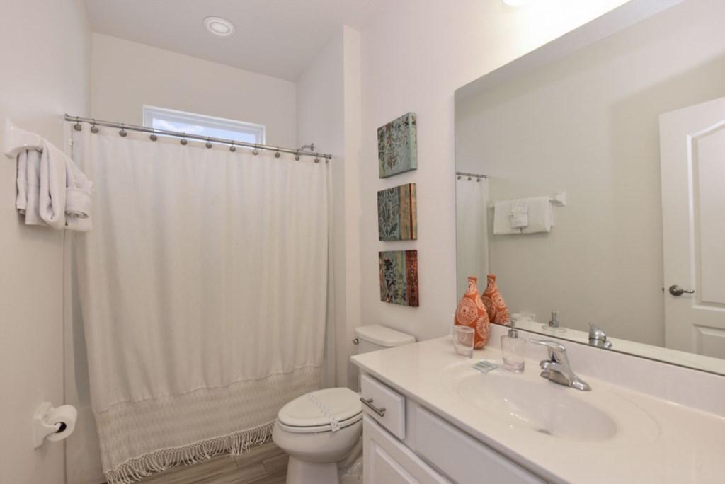 Bathroom 6 1200.jpg
