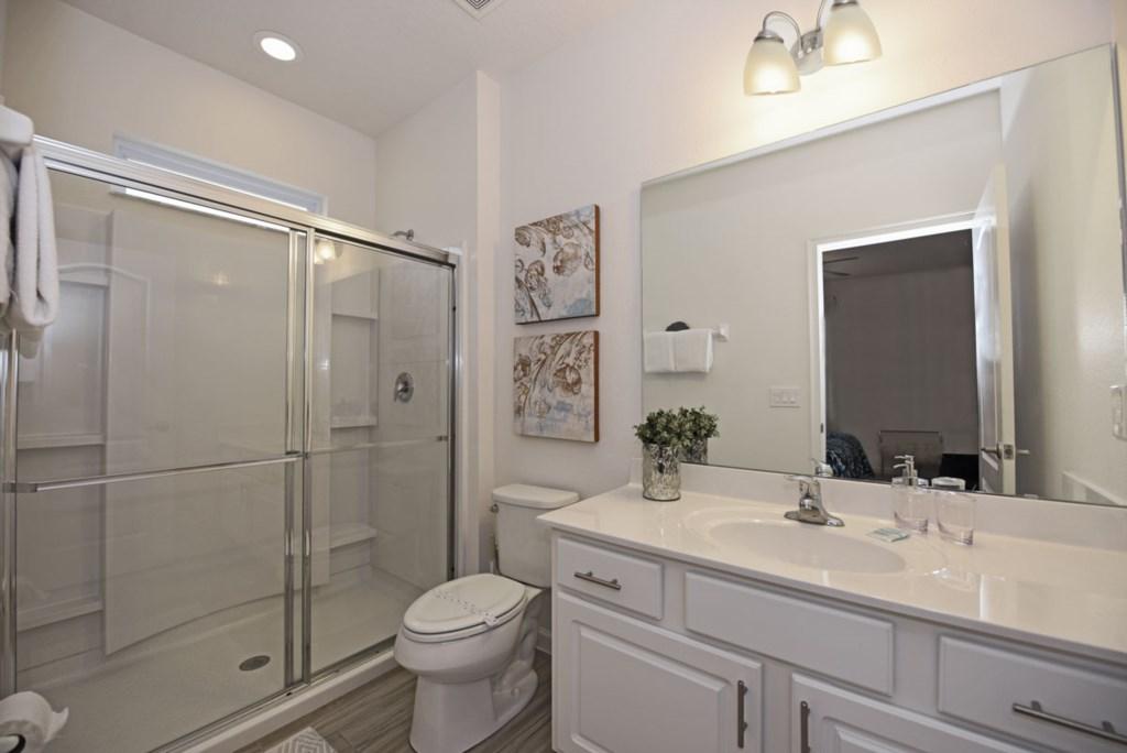 Bathroom 7 1200.jpg