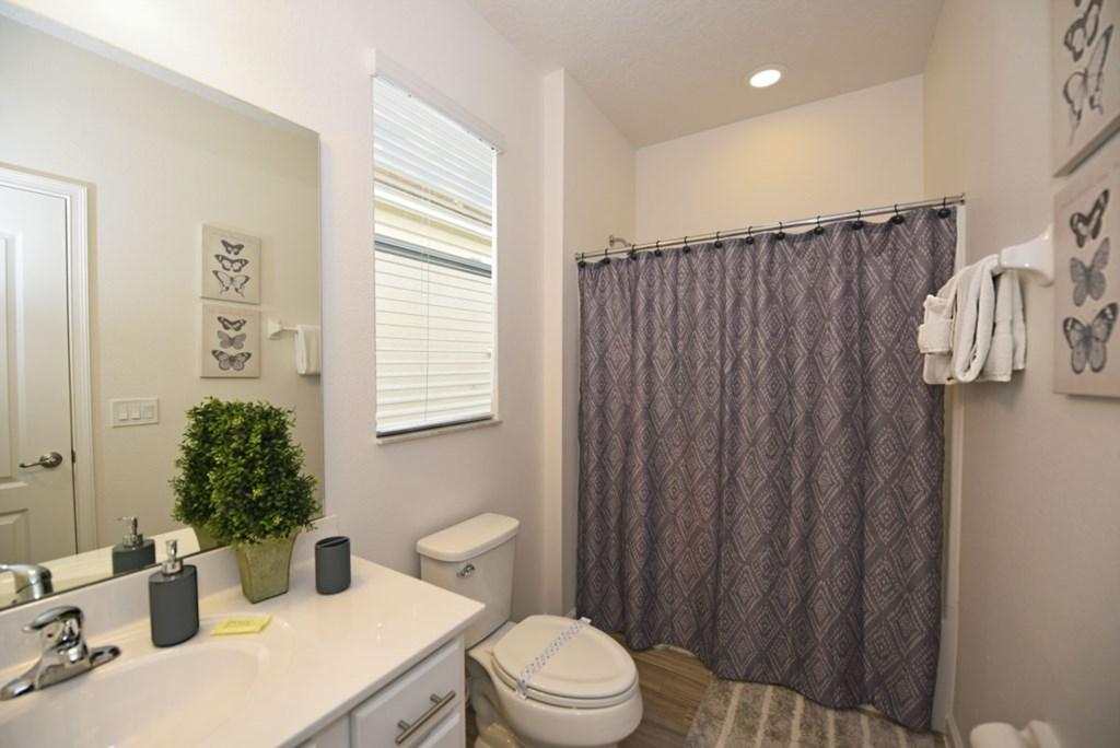Bathroom 8 1200.jpg