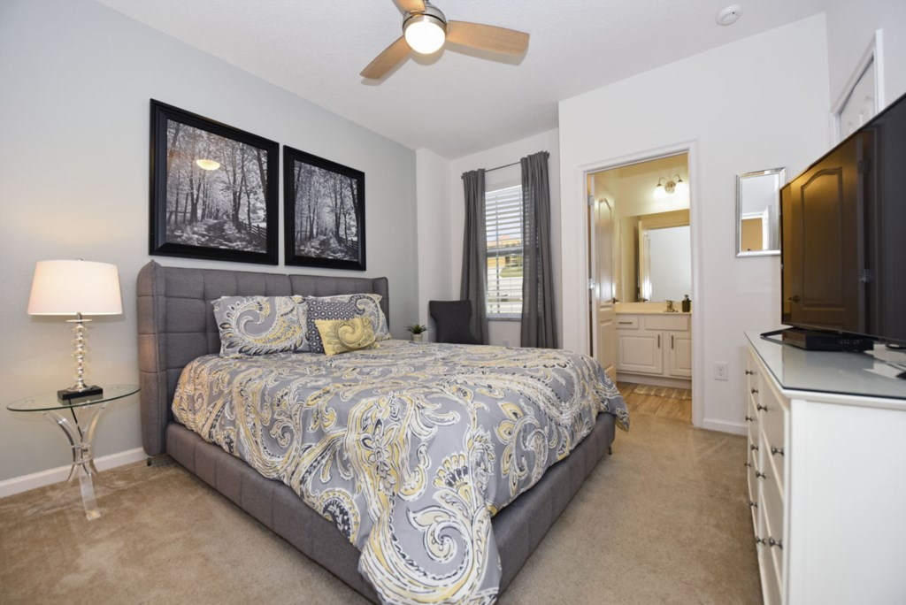 Bedroom 10 1200.jpg