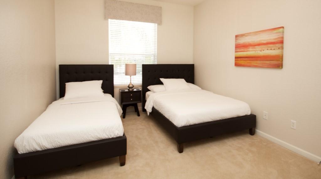 Full + Twin Room