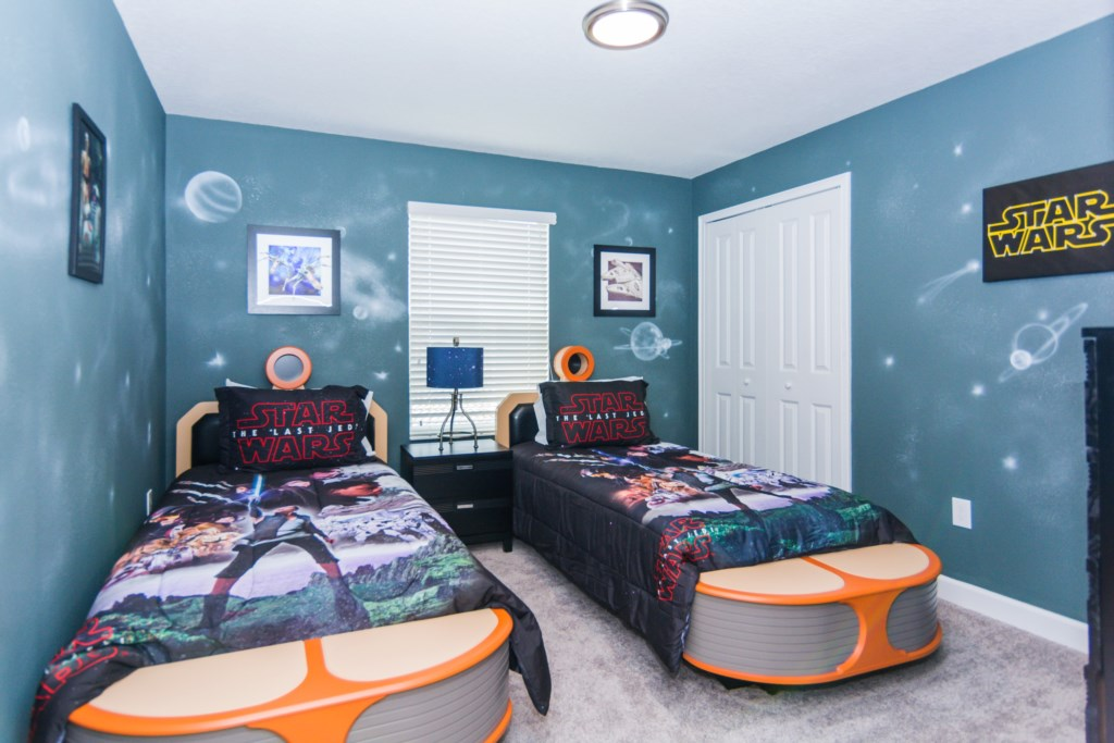 Star Wars Twin Bedroom 1.jpg