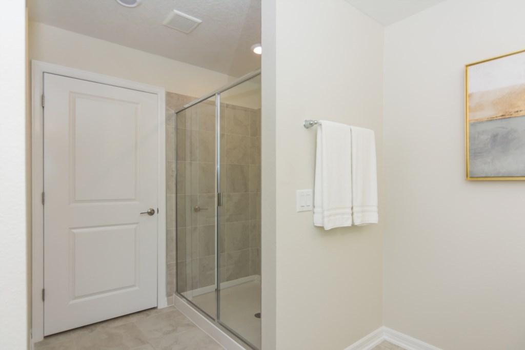 2 Bath.jpg