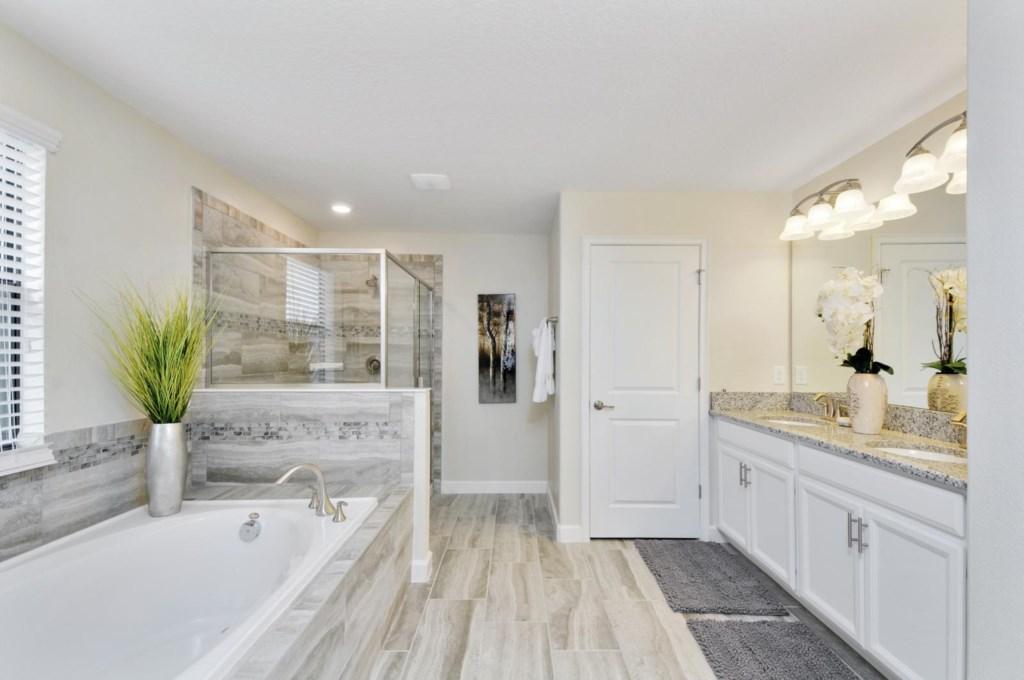 15_bathroom1.jpg