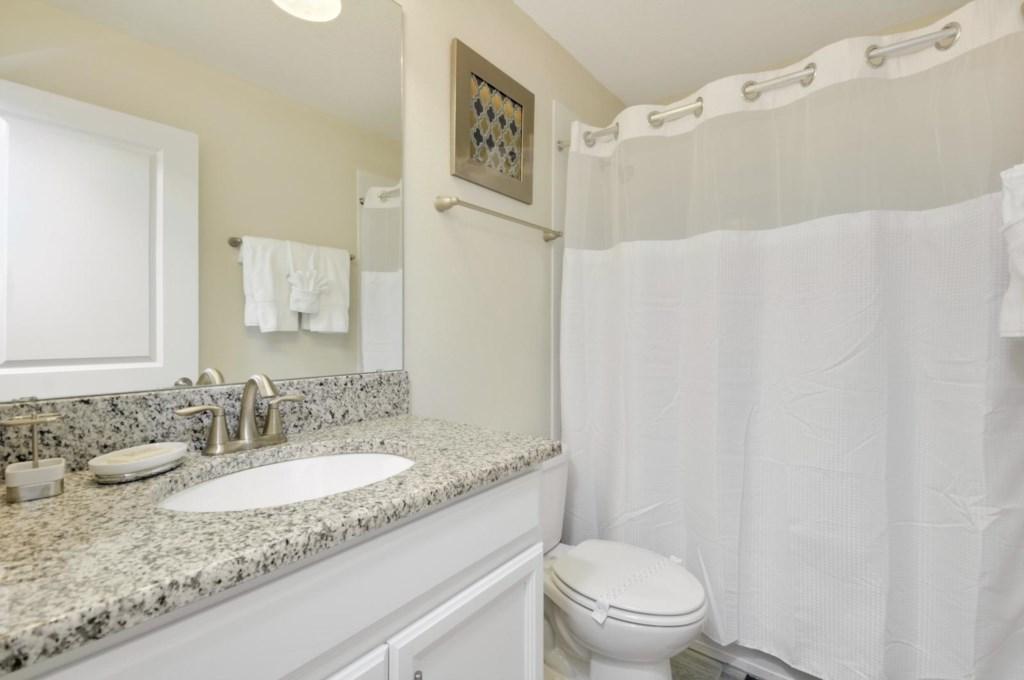 24_bathroom4.jpg