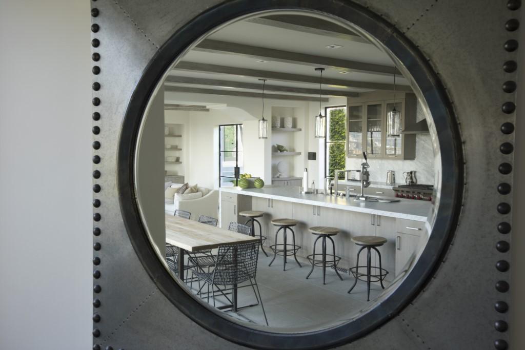 1F0A2924_Kitchen_Mirror_r