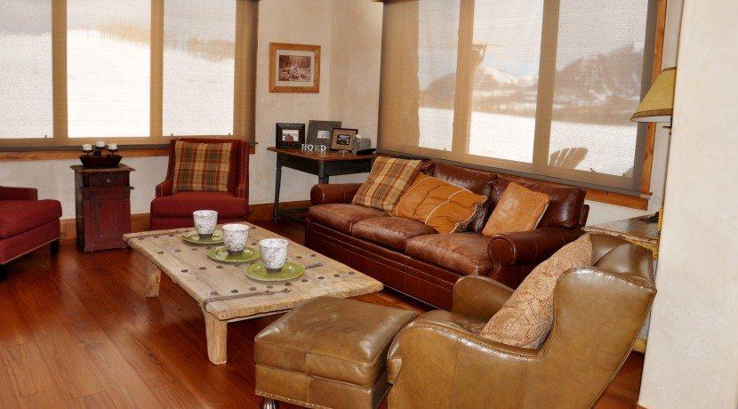 Lounge-2-830x460