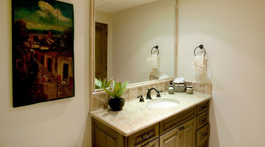Hacienda-Beach-Club-Building4-Bathroom.jpg