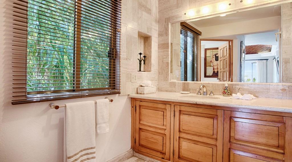 Casa-Lyla-Bathroom2-2.jpg