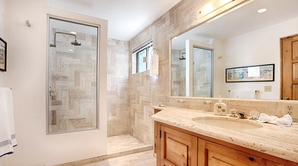Casa-Lyla-Bathroom2.jpg