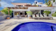 Casa-Lyla-Patio.jpg