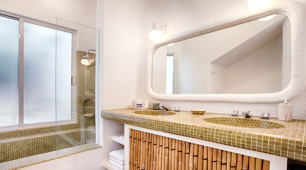 Casa-Opah-Bathroom2.jpg