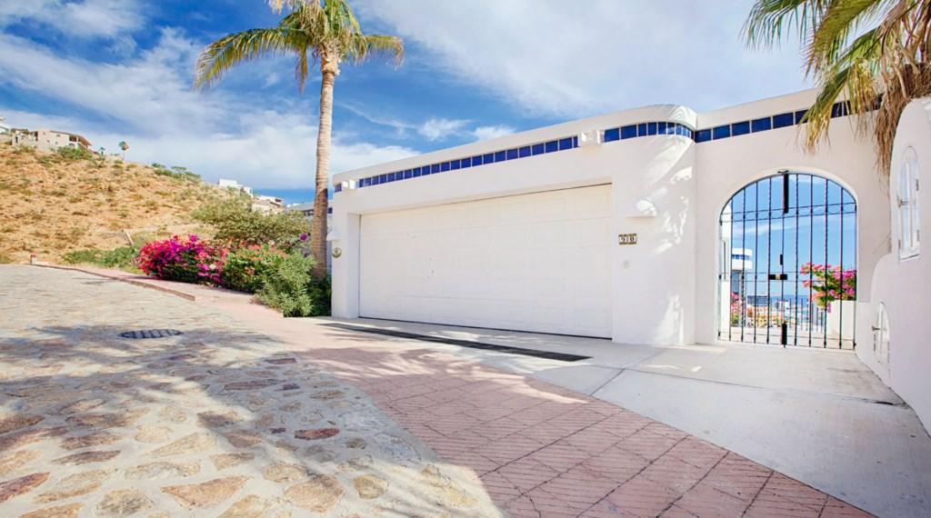 Casa-Opah-Street-Entrance.jpg