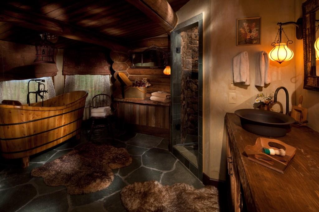Logans Room Bath (1).jpg