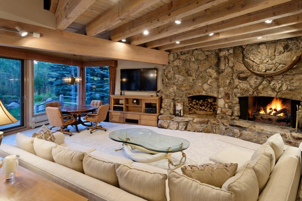 SnowmassSlopesideLivingroomfireplace