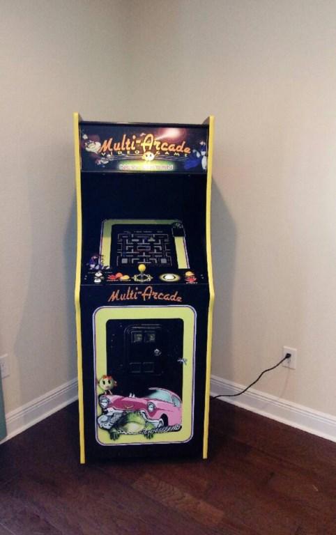 arcade machine resized.jpg