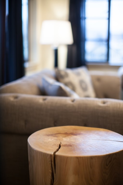 Downunder Mountain Retreat - Living Room