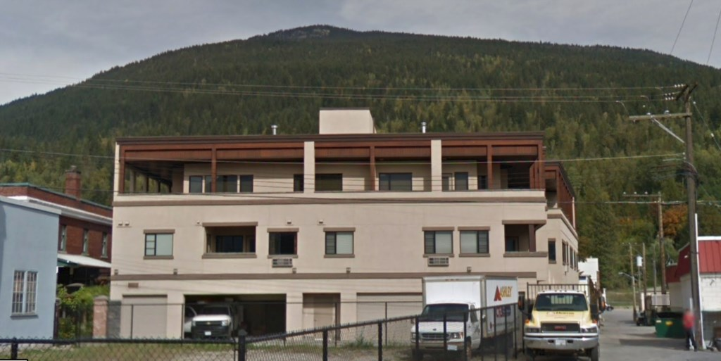 Downunder Mountain Retreat - Mid-Right Hand Condo