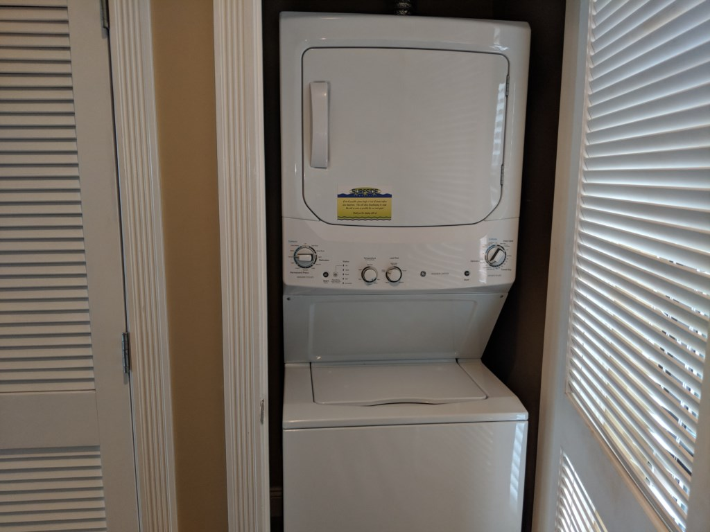 Unit has washer and dryer