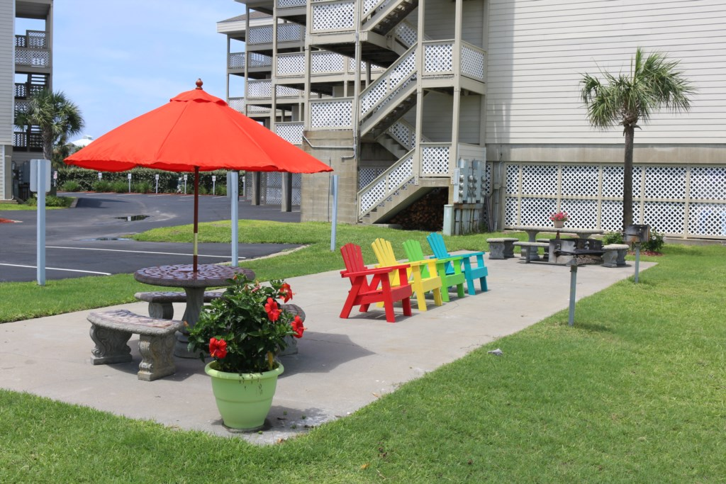 Baywatch community patio and grill area