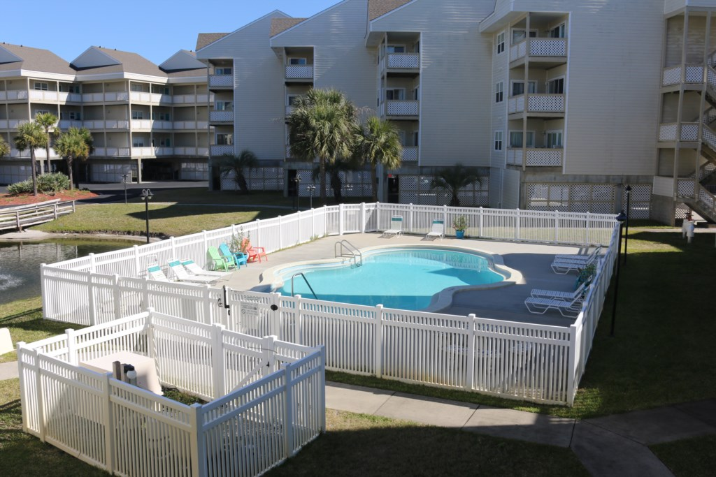 Baywatch Community Pool
