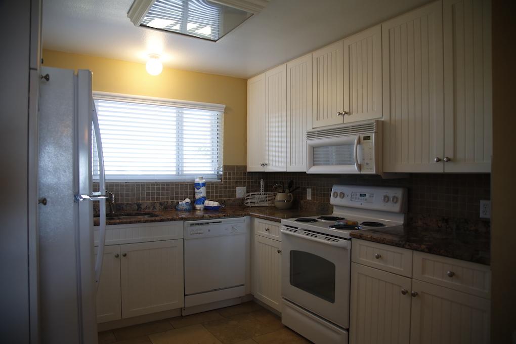 A25-Kitchen.JPG