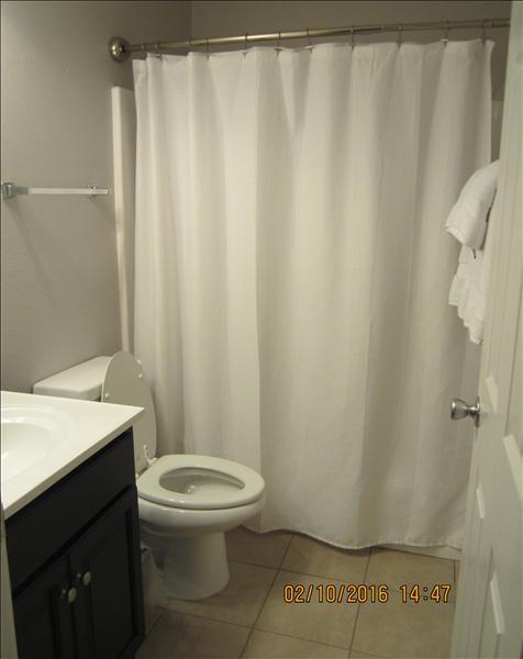 B23 Guest Bathroom