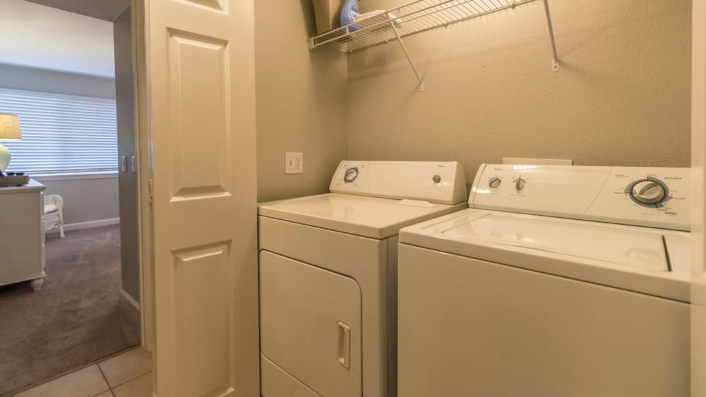 B23 Full Size Washer/Dryer