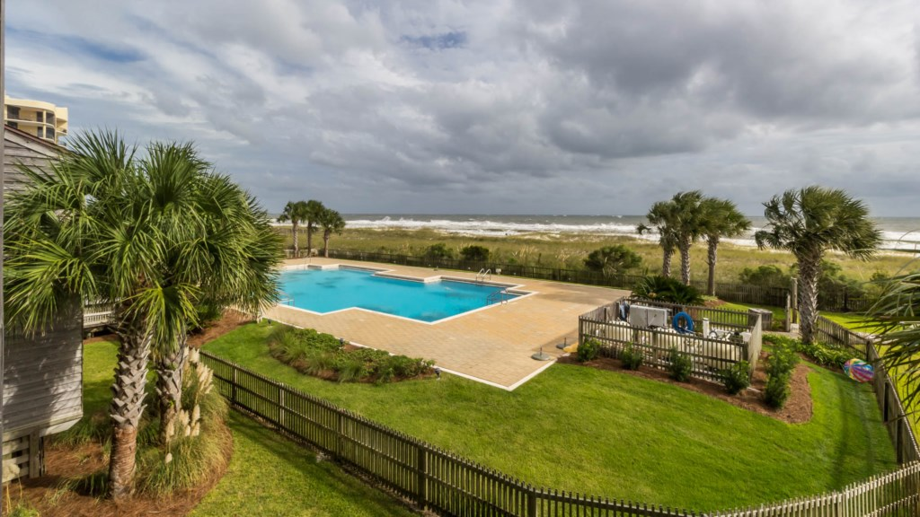 B23 Balcony View overlooking the Beach and Pool