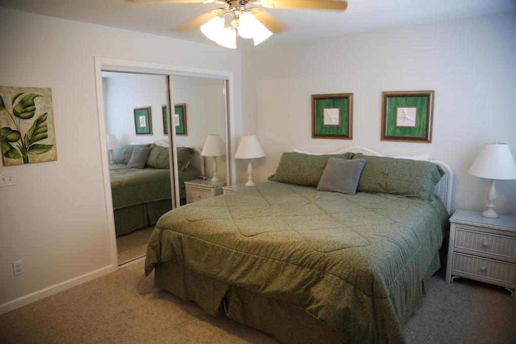 B33-King Guest Bed.JPG